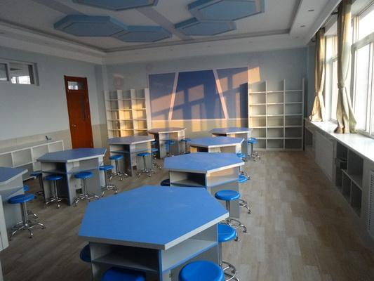 教室墙面手绘黑白